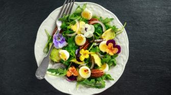 des fleurs comestibles dans notre assiette